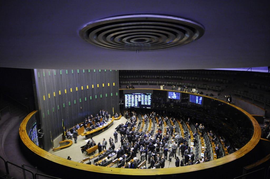 Estudo do Diap mostra como votaram deputados e senadores sobre direitos dos trabalhadores