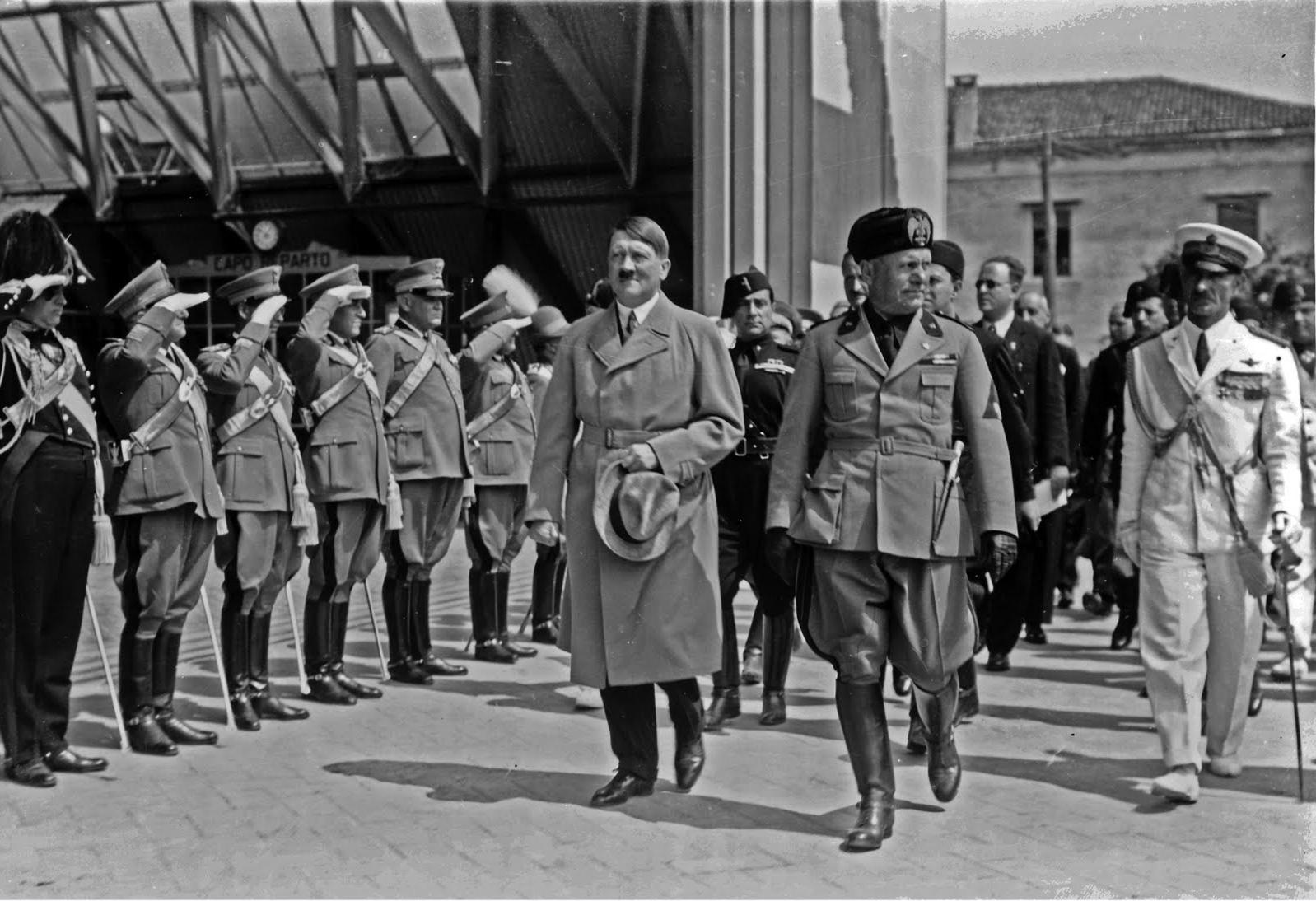 O nazismo de Hitler também pregava o fechamento dos sindicatos