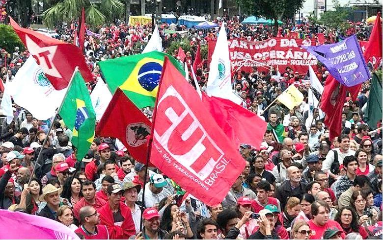 Após resultado das eleições Frentes Populares declaram: 'Continuaremos a defender a Constituição e a tolerância'