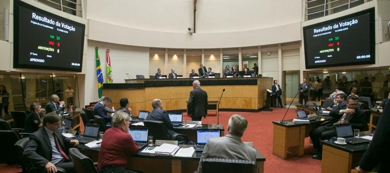 Reforma administrativa de SC é aprovada por unanimidade na ALESC