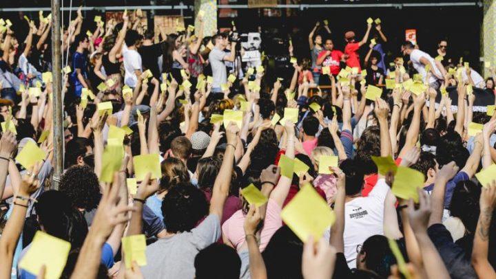 APOIO À GREVE DOS ESTUDANTES E LUTA DOS PROFESSORES E SERVIDORE DA UFSC