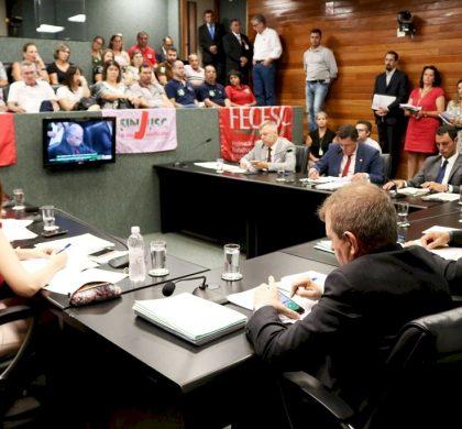 Servidores estaduais mobilizam protesto contra a reforma da Previdência