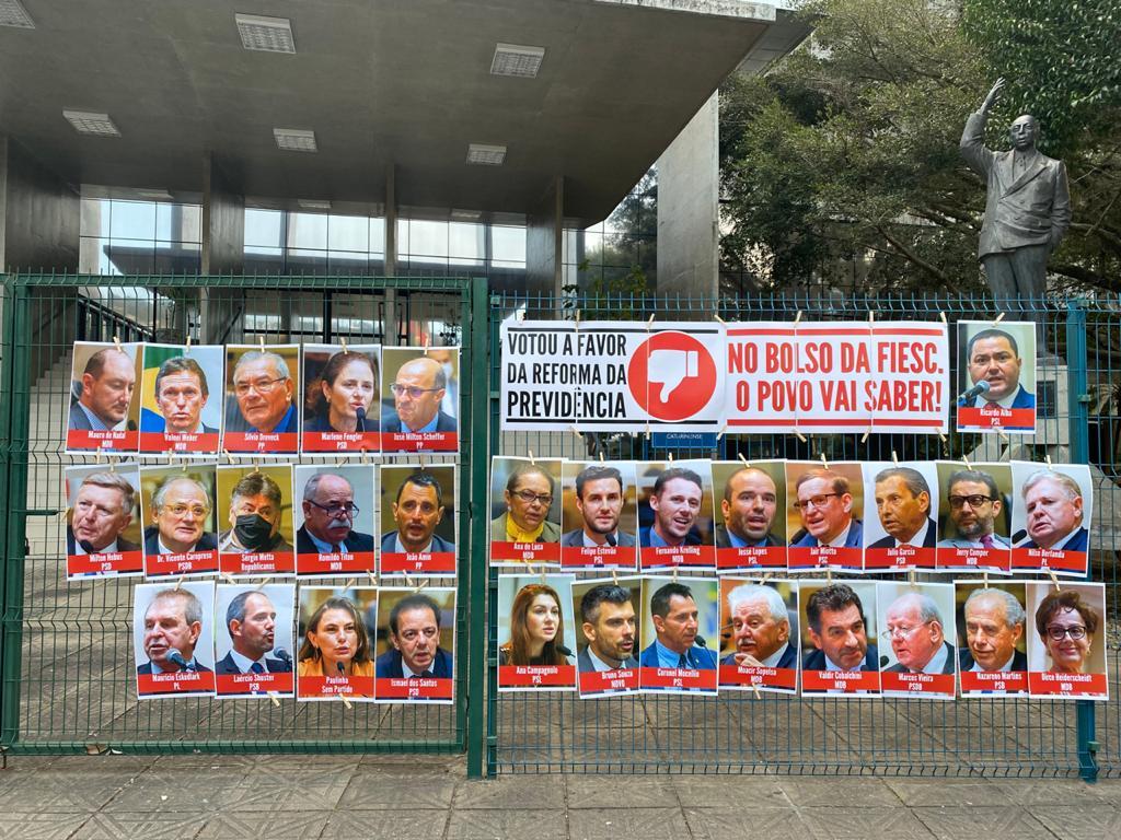 Foto dos deputados que votaram contra os trabalhadores.
