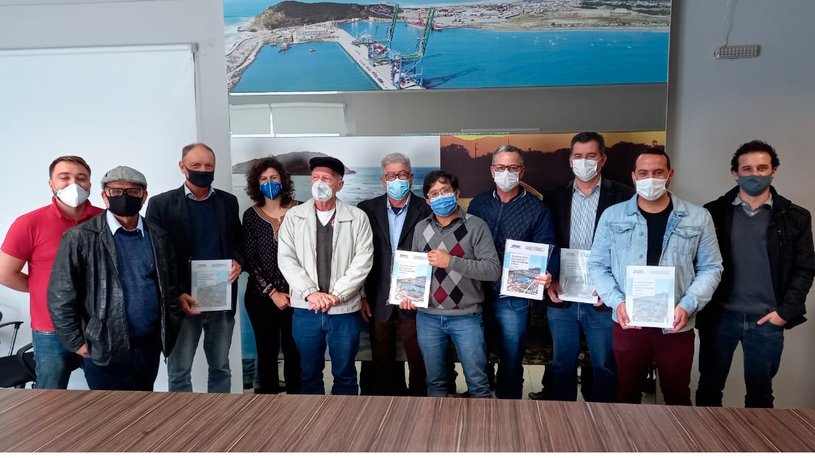 Durante visita, foi lançado estudo do Dieese  com diversas razões para manter o porto de Imbituba público